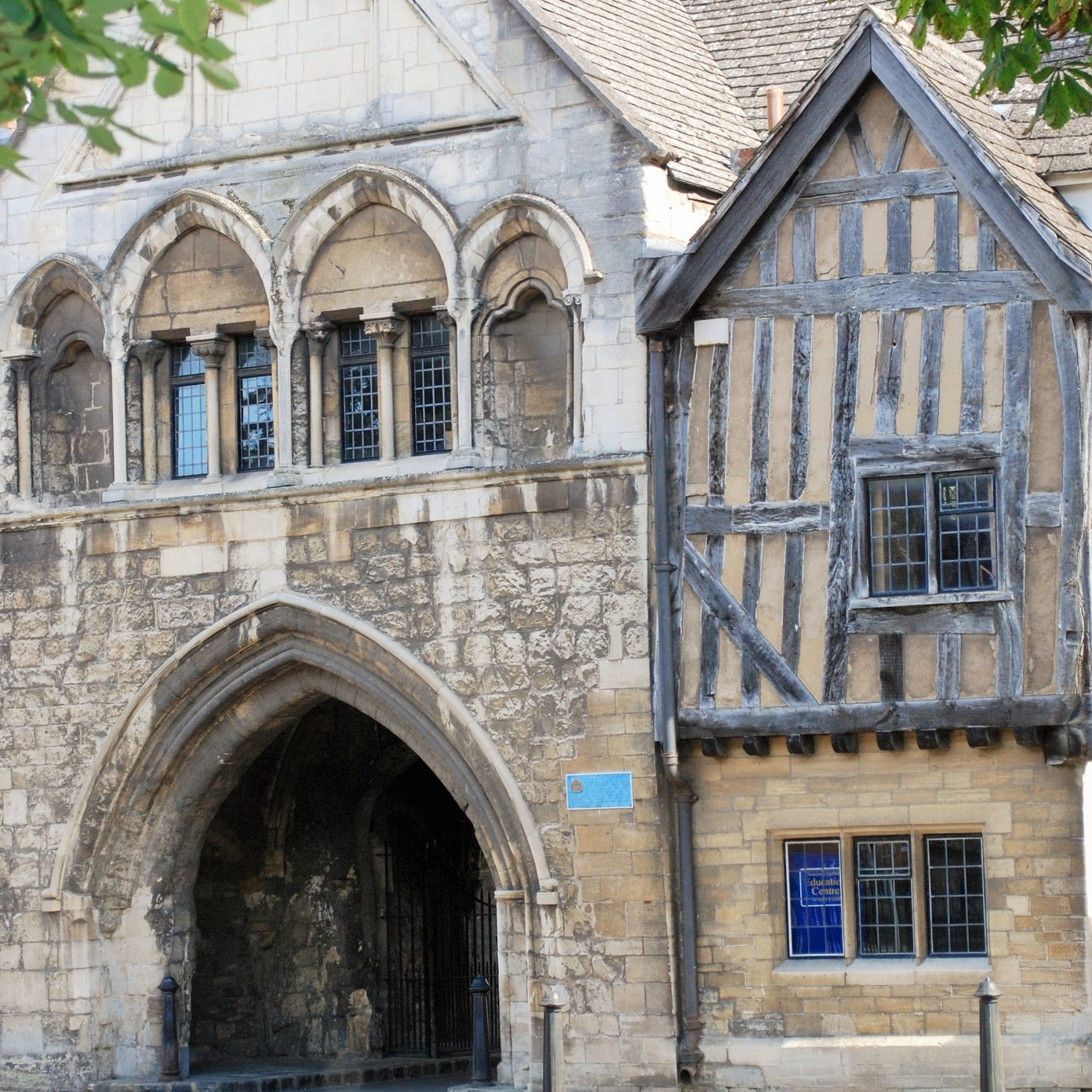 st mary's gate gloucester cathedral